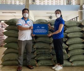 Thang Long Real hỗ trợ 33 tấn gạo giúp người dân TP.HCM