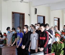 Cô gái 18 tuổi cầm đầu nhóm 23 người đi đánh nhau để trả thù