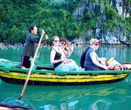 Coi chừng Việt Nam rơi vào du lịch 'lòng máng'