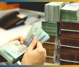 Lãi tiền gửi tiết kiệm giảm chưa từng có, ngân hàng lời khủng