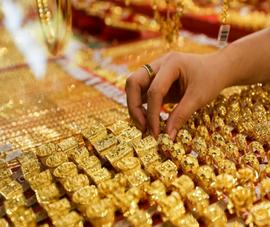 Giá vàng lình xình, đô la chợ đen rớt giá