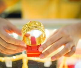 Cú 'lật kèo' của FED đã thổi giá vàng bay gần 2 triệu đồng/lượng
