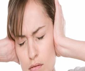 Chứng ù tai nhiều khi không phải bệnh từ tai
