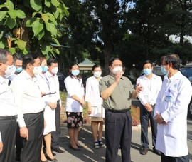 Thủ tướng chỉ đạo quan tâm hơn đội ngũ y, bác sĩ chống dịch