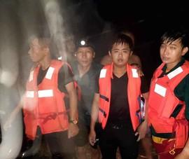 Đội trưởng Dân quân và Bí thư Đoàn xã cứu 2 thanh niên bị nước cuốn