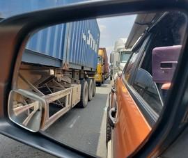 Chậm xả trạm gây kẹt xe: Coi thường lợi ích chung!