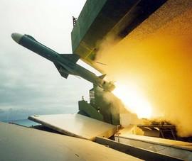 Đài Loan chuẩn bị phóng tên lửa trong khi Trung Quốc tập trận