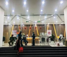Hà Nội phong tỏa tầng 8 tòa nhà Central Point, 27 Lê Văn Lương