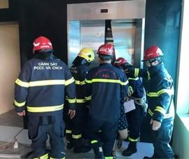 38 người mắc kẹt trong thang máy