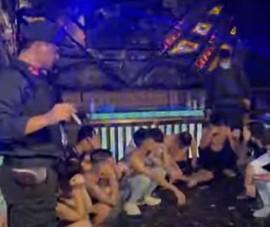26 nam nữ tụ tập 'bay lắc' ở quán karaoke đang giữa mùa dịch