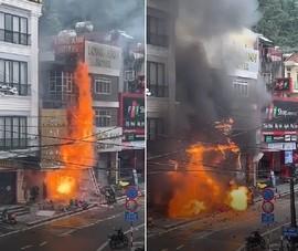 Nhân viên điện lực cứu được 2 cháu bé trước khi cửa hàng gas cháy, phát nổ