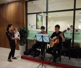 Bệnh viện chơi nhạc sống phục vụ bệnh nhân
