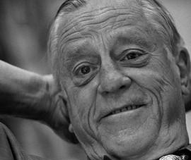 'Nhà báo hất ghế tổng thống' qua đời ở tuổi 93