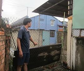 Trần ai khi bị hàng xóm chặn lối đi
