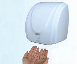 Đừng tưởng an toàn với máy sấy làm khô tay