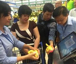 Người Sài Gòn hào hứng mua thịt heo bằng điện thoại
