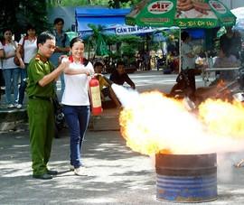 TP.HCM: Mỗi nhà đều phải có bình chữa cháy?