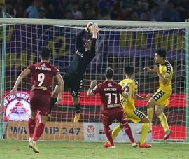 Vòng 20 V-League: TP.HCM nhọc nhằn, Hà Nội thảnh thơi