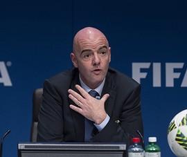 Chủ tịch FIFA: 'Hãy ở nhà lo cho sức khỏe của mình!'