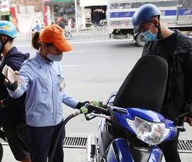 Kẻ cười, người khóc khi giá dầu giảm về mức âm