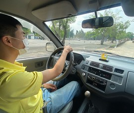 Cần làm rõ đề xuất Bộ Công an thay Bộ GTVT cấp bằng lái xe