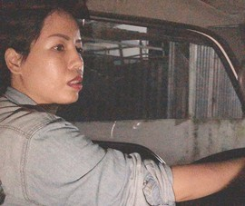 Nước mắt trong đêm của nữ tài xế xe tải