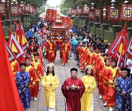 Video: Người dân rước lễ, dâng hương tưởng nhớ các Vua Hùng