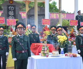 Truy điệu, an táng hài cốt 17 liệt sĩ đặc công ở Quảng Nam