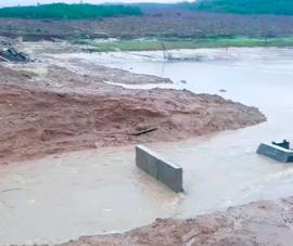 Quảng Nam: Mưa lớn gây vỡ hồ chứa nước đang thi công