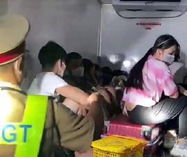 Các tài xế vụ xe đông lạnh chở 15 người 'thông chốt' bị xử lý ra sao?