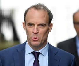 Ngoại trưởng Anh nói về Olympic Bắc Kinh và vấn đề Tân Cương