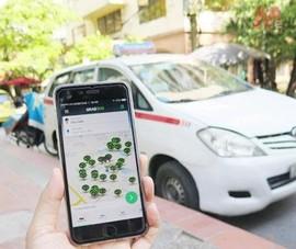 Thủ tướng yêu cầu nghiên cứu bỏ gắn hộp đèn cho xe công nghệ