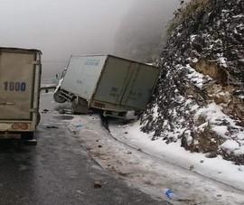 Dọn băng tuyết và hạn chế xe lên miền núi phía Bắc