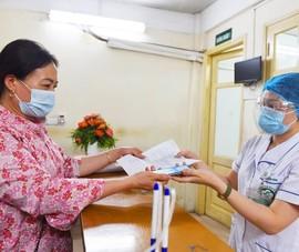 Nhiều người dân dùng ảnh thẻ BHYT trên ứng dụng VssID để khám chữa bệnh