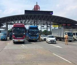 Hà Nội: Nhiều tài xế bất ngờ vì buộc phải quay đầu xe trên cao tốc