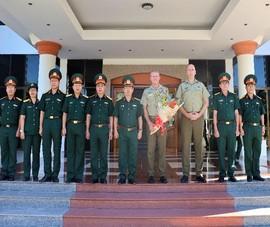 Úc tài trợ đào tạo tiếng Anh cho quân đội Việt Nam