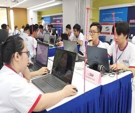 Sinh viên 'ngồi thiền' 8 tiếng thi An toàn thông tin