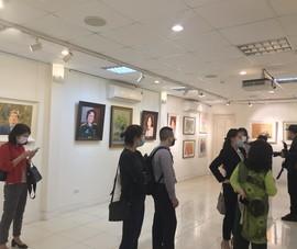 Trưng bày 25 bức họa những nhà lãnh đạo mới của đất nước