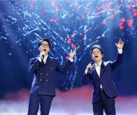 Ca sĩ Trọng Tấn lần đầu song ca với con trai trên sân khấu lớn