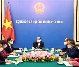Chủ tịch nước Nguyễn Xuân Phúc điện đàm với Tổng thống Pháp