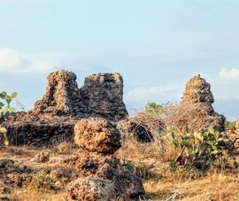 Truyền thuyết về bãi đá cổ Karang Chaklaing tuyệt đẹp