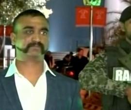 Kiểu râu 'gây sốt' của phi công Ấn Độ