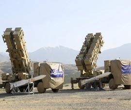 Iran tuyên bố sẵn sàng chiến tranh, đặt Mỹ vào tầm tên lửa