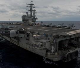 Trung Quốc điều tàu bám đuôi tàu sân bay Mỹ trên biển Đông