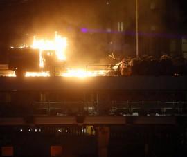 Biểu tình Hong Kong: Cảnh sát nổ súng, dùng 'vũ khí' âm thanh