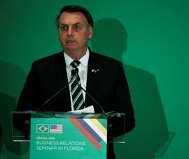 Tweet của Tổng thống Brazil bị xóa vì trái khuyến cáo COVID-19