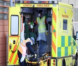 COVID-19 Anh: Người chết tiếp tục tăng cao, gần bằng Ý