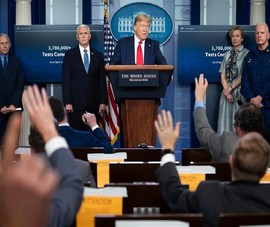Ông Trump nói lại: 'Không giải tán đội đặc nhiệm COVID-19'