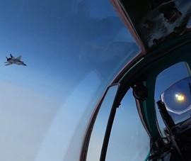 VIDEO: F-22 Mỹ, F-16 NaUy chạm trán 7 chiếc Tu-142MK Nga
