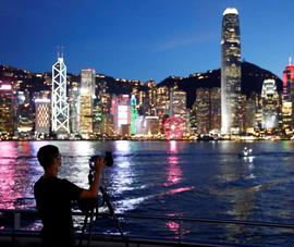 Hong Kong cảnh báo nguy cơ dịch COVID-19 bùng phát rộng